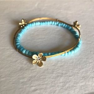 Jewelry - Boho Turquoise Bead & Gold with flowers Bracelets